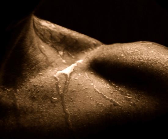成長ホルモンの効果がスゴすぎる!!筋トレ、睡眠で分泌倍増する方法