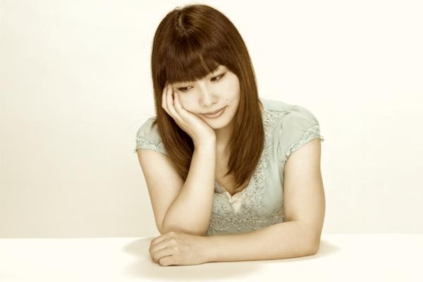 生理時の腰痛はなぜ起こるのか?ヒドくなるのは原因がある。