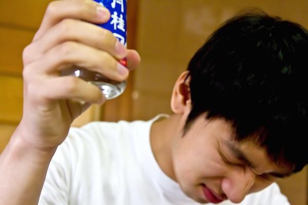 お酒が飲めない人と飲める人の違いはやっぱり「体質」??