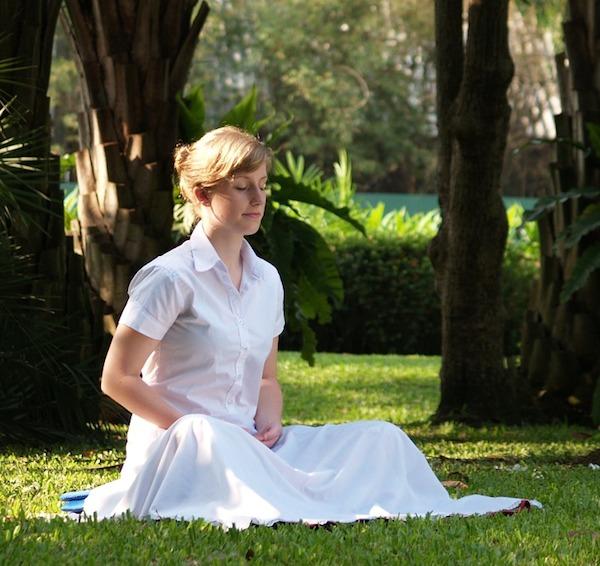 瞑想は正しいやり方で疲労回復効果が。その方法とは。