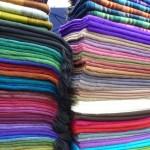 掛け布団の選び方で寝床内環境が変わる!布団・毛布の種類。